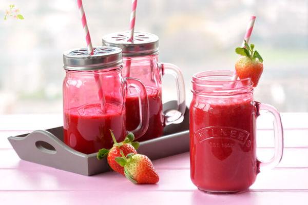 smoothie-de-remolacha_-naranja-y-fresas.jpg